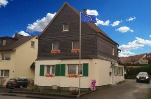 Volker Drews Ferienwohnung in Arnsberg (Sauerland) bietet Platz Platz für 3 Erwachsene Gäste, Ein Zustellbreisebett für Kinder steht zur Verfügung.